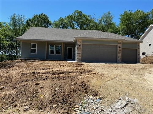 Photo of 916 E Superior Dr, Edgerton, WI 53534 (MLS # 1875998)