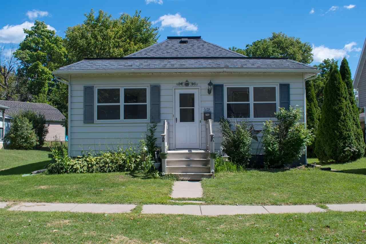 428 Elm St, Mauston, WI 53948 - #: 1892999