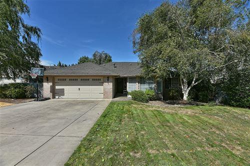 Photo of 2423 Meadow Creek Drive, Medford, OR 97504 (MLS # 220109028)