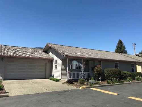 Photo of 102 Cluster Drive, Rogue River, OR 97537 (MLS # 220125131)