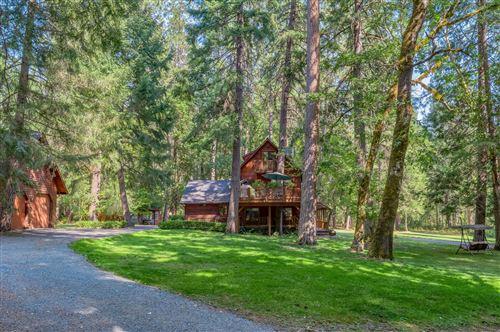 Photo of 4610 Pleasant Creek Road, Rogue River, OR 97537 (MLS # 220109132)