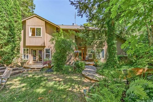 Photo of 10190 Wagner Creek Road, Talent, OR 97540 (MLS # 220125148)