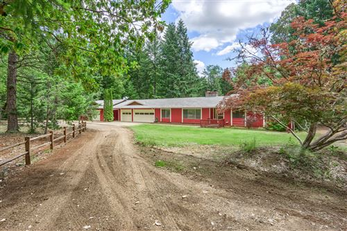Photo of 459 Fir Canyon Road, Grants Pass, OR 97527 (MLS # 220125164)