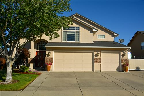 Photo of 77 Pebble Creek Drive, Eagle Point, OR 97524 (MLS # 220125184)
