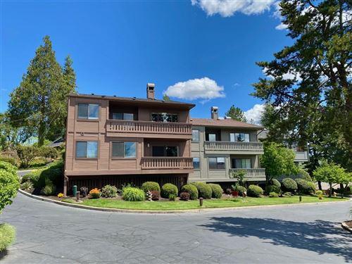 Photo of 304 Medford Heights Lane, Medford, OR 97504 (MLS # 220125187)