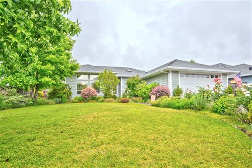 Photo of 2757 Florer Drive, Grants Pass, OR 97527 (MLS # 220125244)