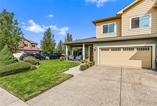 Photo of 1700 SE Softwood Way, Grants Pass, OR 97526 (MLS # 220109258)