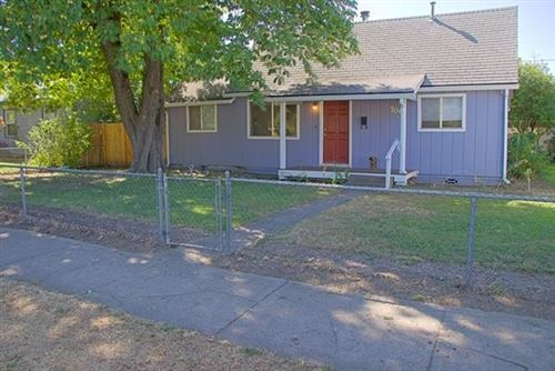 Photo of 706 Newtown Street, Medford, OR 97501 (MLS # 220109272)