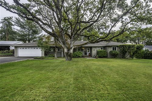 Photo of 135 White Oak Road, Medford, OR 97504 (MLS # 220134275)