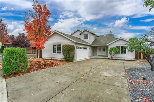 Photo of 1044 Havenwood Drive, Eagle Point, OR 97524 (MLS # 220134292)