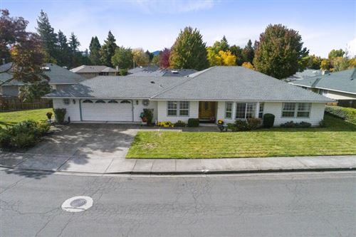 Photo of 2673 Brookside Drive, Medford, OR 97504 (MLS # 220134323)