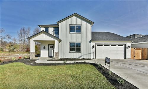 Photo of 328 Willow Springs Drive, Talent, OR 97540 (MLS # 220134394)