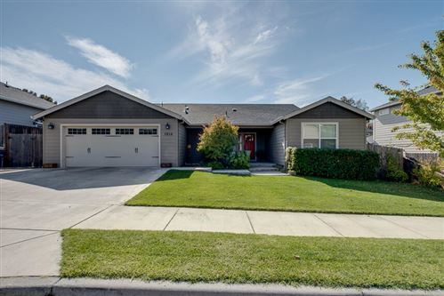 Photo of 1950 Aristona Street, Central Point, OR 97502 (MLS # 220134408)