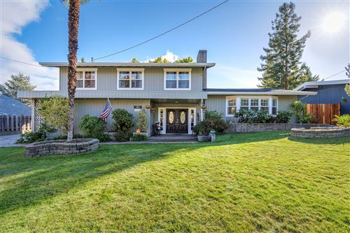 Photo of 715 NW Midland Avenue, Grants Pass, OR 97526 (MLS # 220111477)