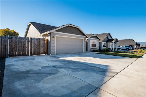 Photo of 3402 Ford Drive, Medford, OR 97504 (MLS # 220111478)
