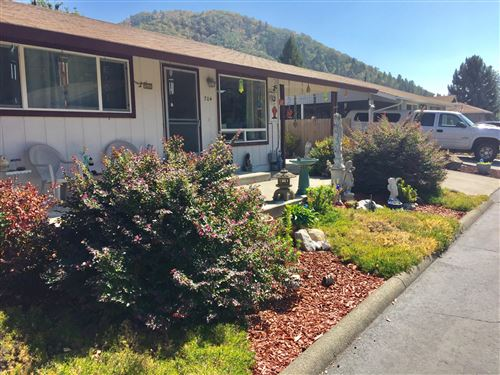 Photo of 704 Brookside Circle, Rogue River, OR 97537 (MLS # 220109493)