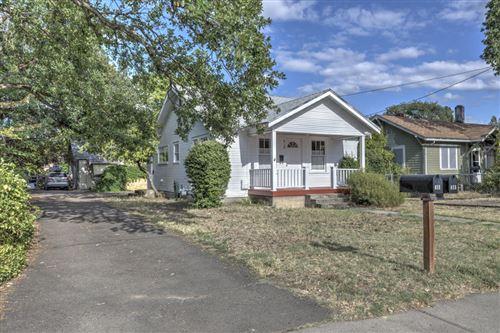 Photo of 415 Park Avenue, Medford, OR 97504 (MLS # 220104552)