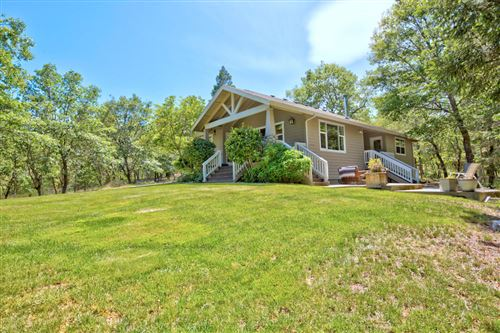 Photo of 1152 N Pinnon Road, Grants Pass, OR 97526 (MLS # 220101860)