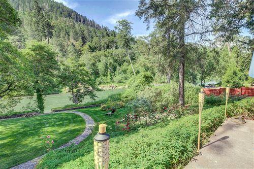 Photo of 285 Avenue De Teresa, Grants Pass, OR 97526 (MLS # 220101900)
