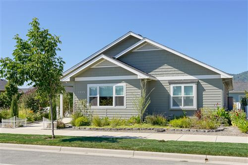 Photo of 1405 N Haskell Street, Central Point, OR 97502 (MLS # 220106926)