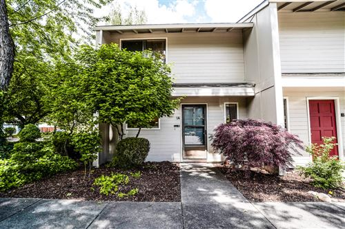 Photo of 1279 Maple Leaf Court #1A, Medford, OR 97504 (MLS # 220101941)