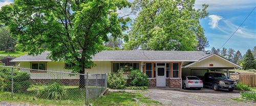 Photo of 2111 Dowell Road, Grants Pass, OR 97527 (MLS # 220101953)