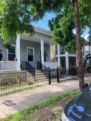 Photo of 616 Fern Street, New Orleans, LA 70118 (MLS # NAB21003019)