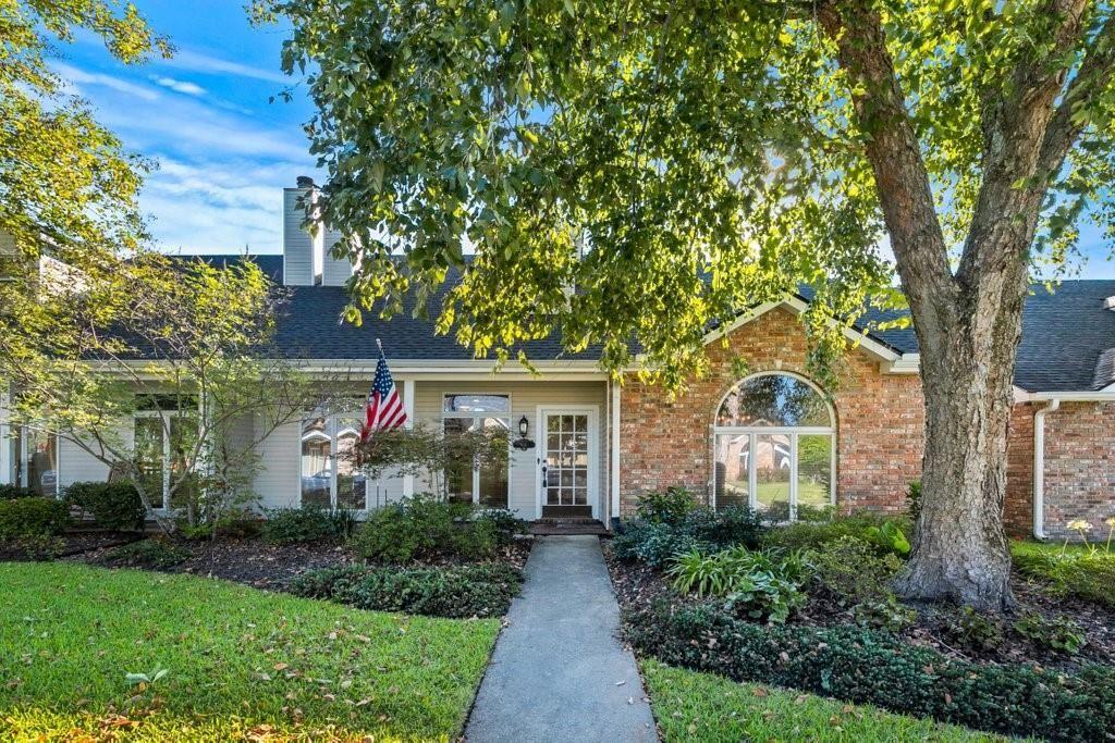 4111 Oak Point Lane, Lake Charles, LA 70605 - MLS#: SWL21008566