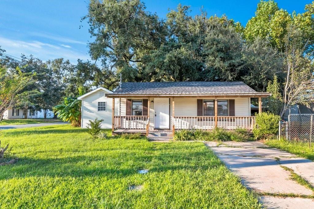 404 E Lyons Street, Sulphur, LA 70663 - MLS#: SWL21007610