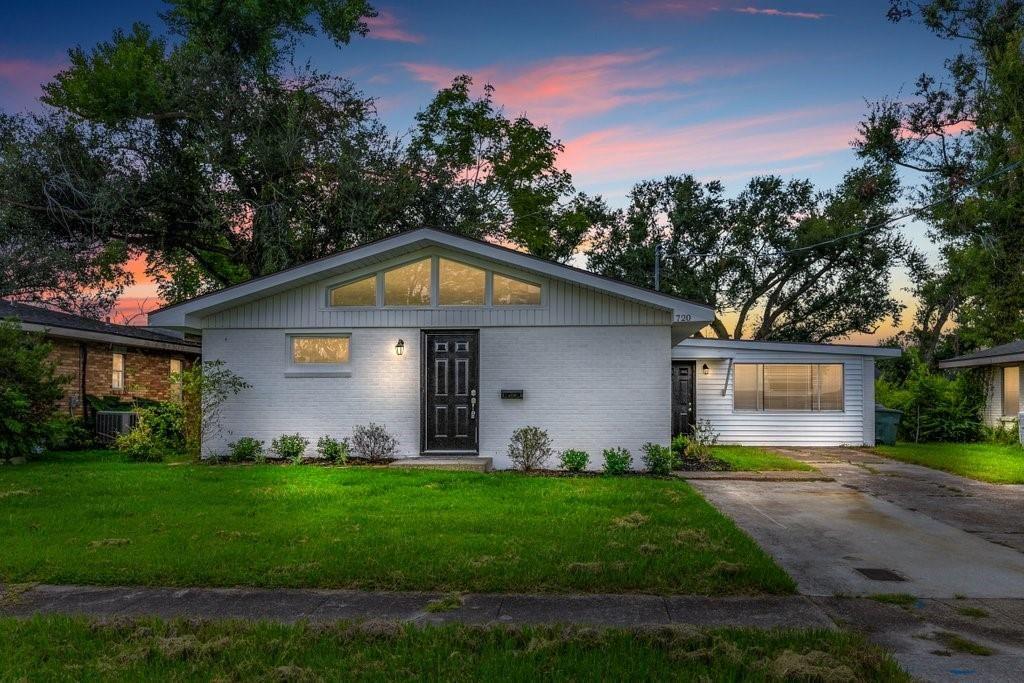 720 Bienville Street, Lake Charles, LA 70607 - MLS#: SWL21007646