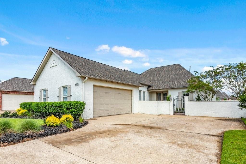 6135 E Azalea Drive, Lake Charles, LA 70605 - MLS#: SWL21008825
