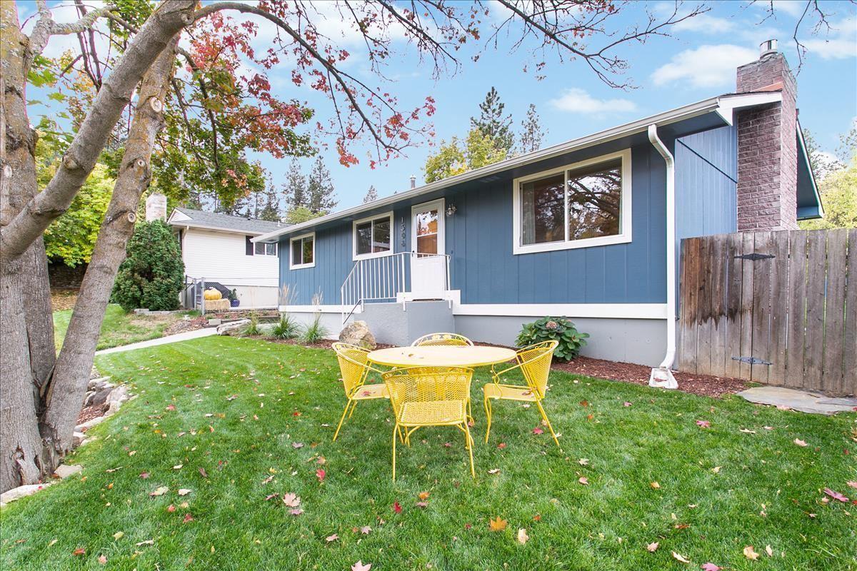 Photo of 1506 S Ferrall St, Spokane, WA 99223 (MLS # 202124014)
