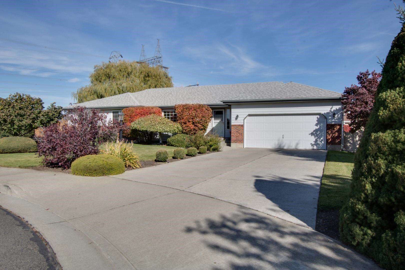 Photo of 10810 N Klickitat Ct, Spokane, WA 99208-9043 (MLS # 202124117)