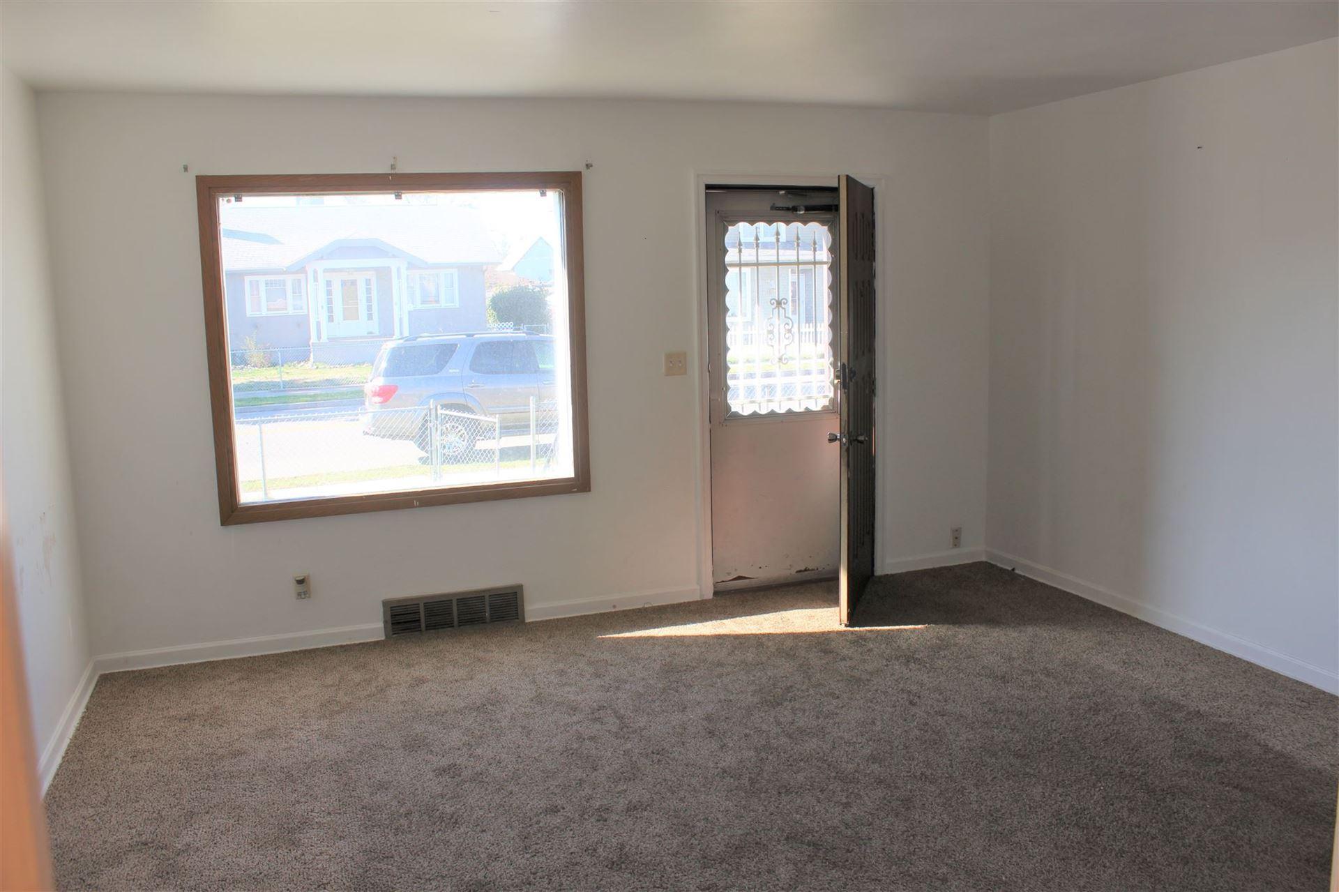 Photo of 1809 E Bridgeport Ave, Spokane, WA 99207 (MLS # 202114119)