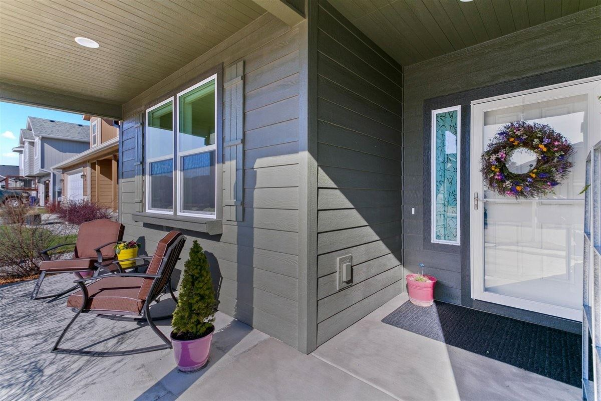 Photo of 917 S Oswald St, Spokane, WA 99224-5423 (MLS # 202114120)