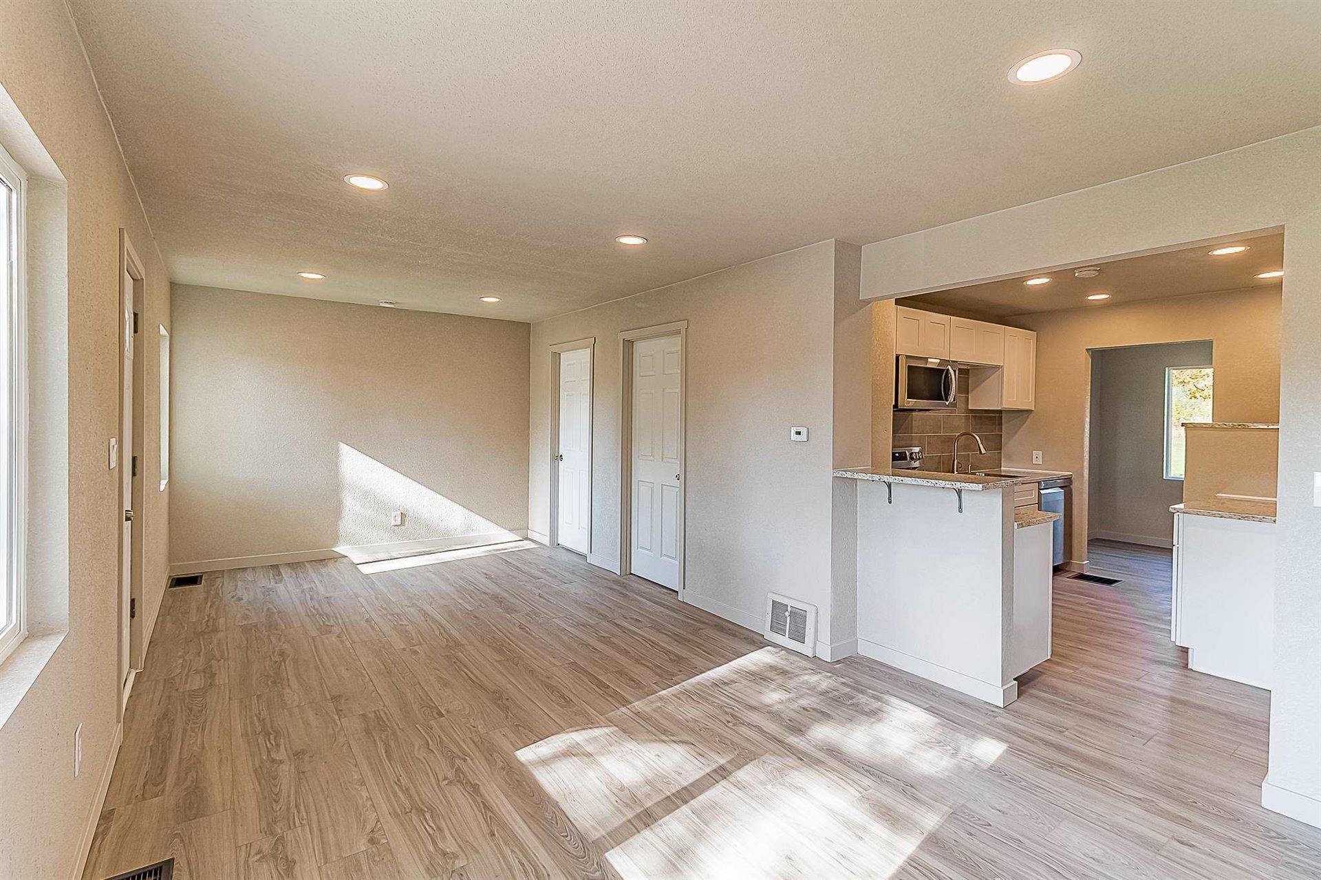 Photo of 14111 E Longfellow Ave, Spokane Valley, WA 99216 (MLS # 202124124)