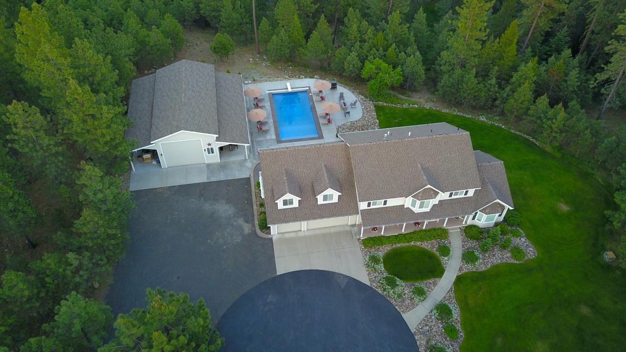 Photo of 21002 Buckeye Lake Ln, Colbert, WA 99005 (MLS # 202117208)