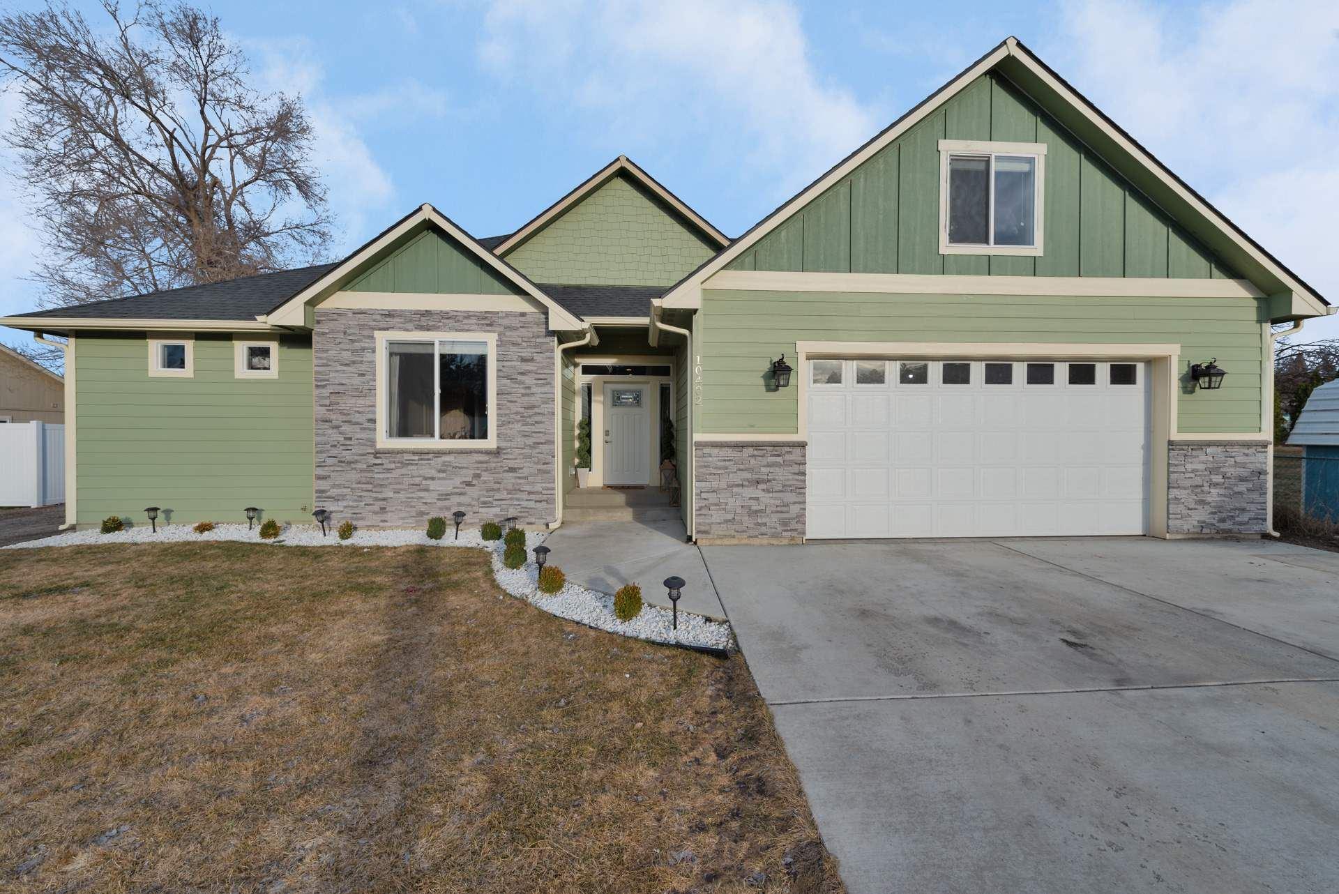 10402 E 4TH Ave, Spokane Valley, WA 99206 - #: 202112240