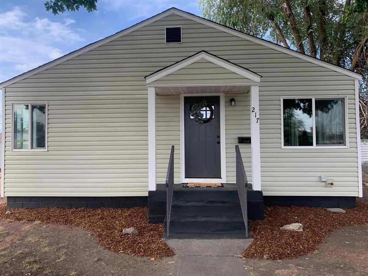 217 E longfellow Ave, Spokane, WA 99207 - #: 202021340