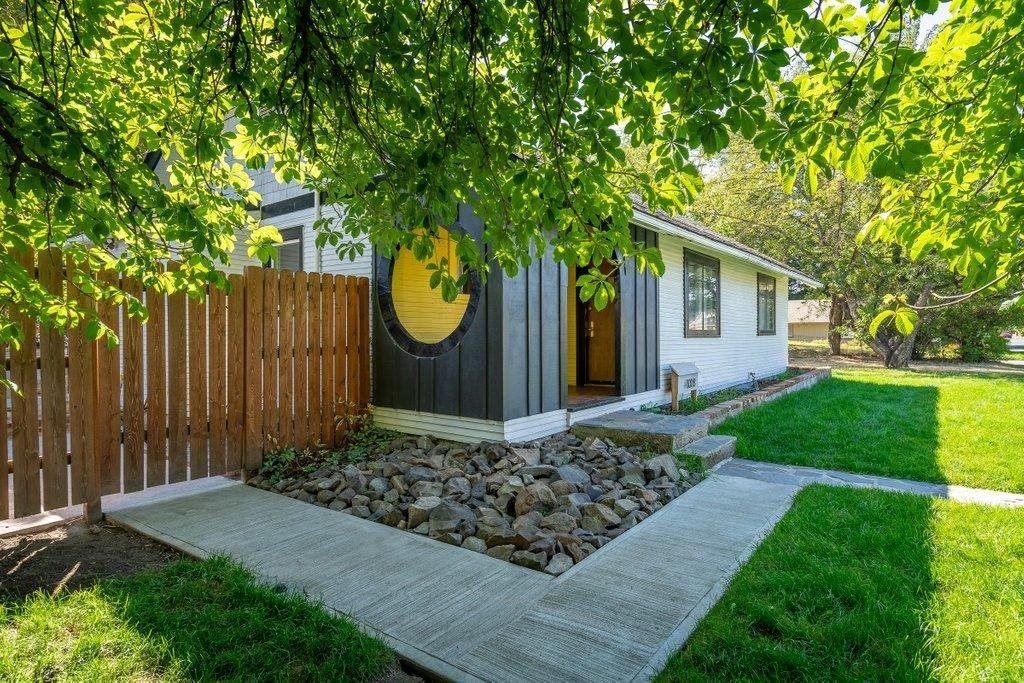 4008 E Hartson Ave, Spokane, WA 99204 - #: 202122351