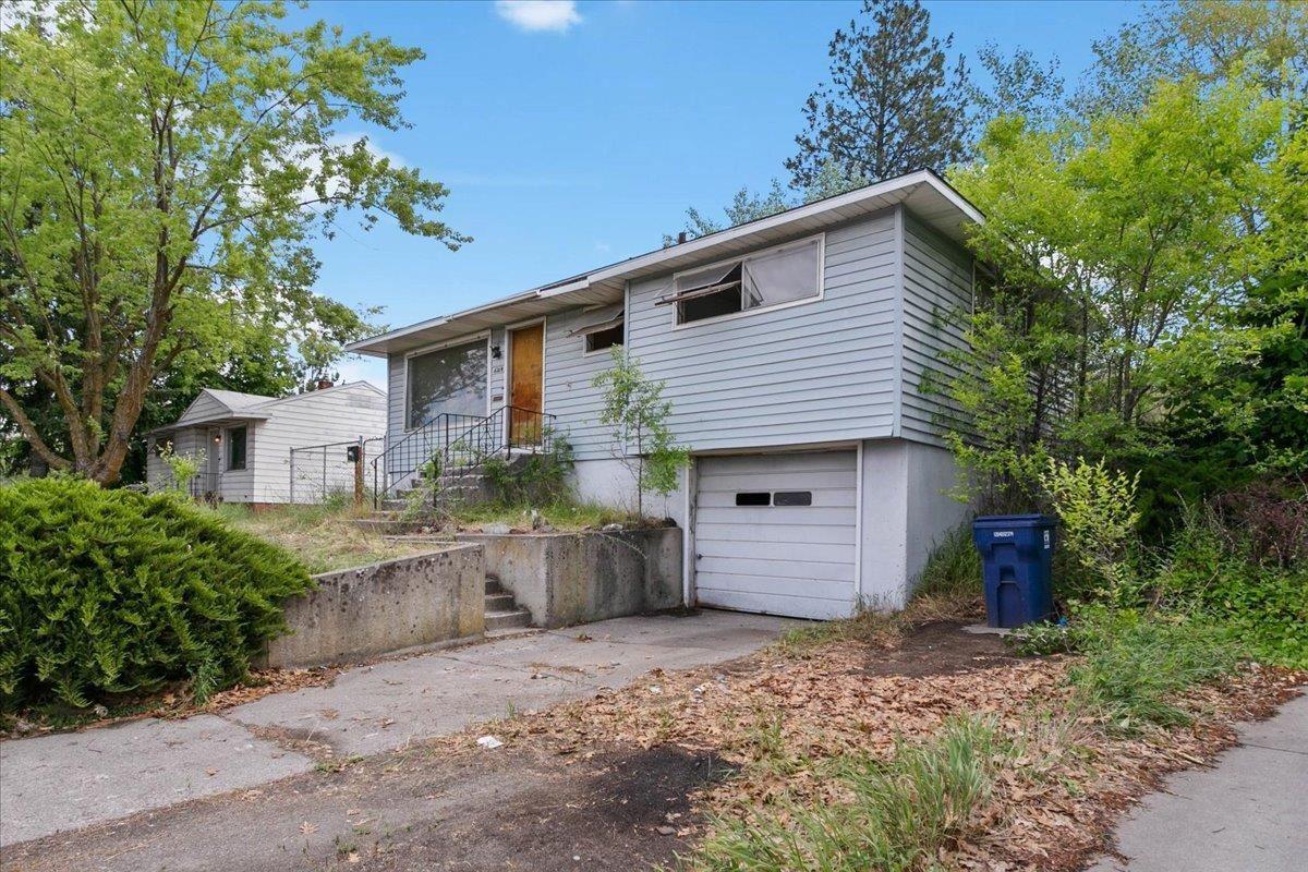 6214 N Maple St, Spokane, WA 99205 - #: 202117357