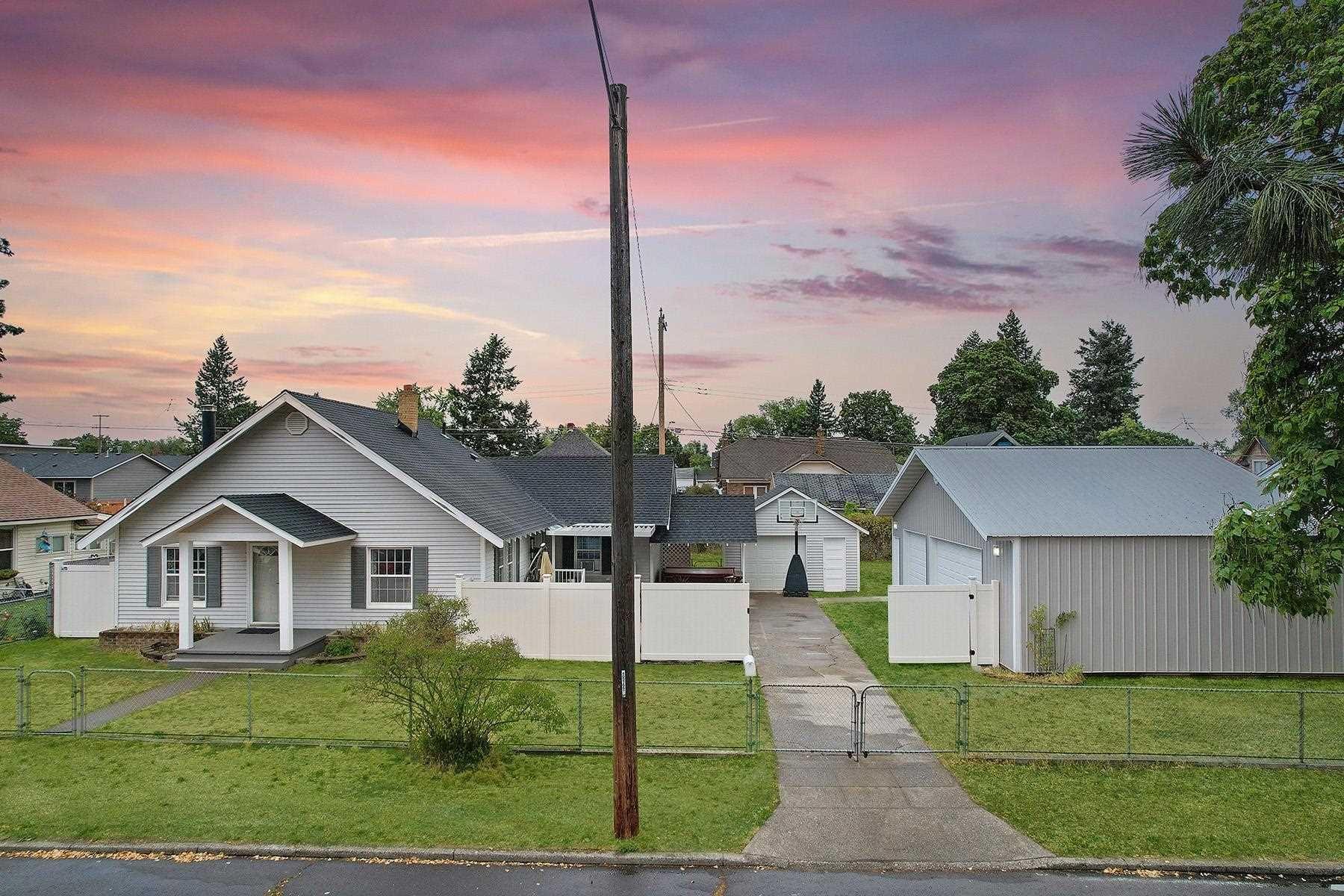 627 E Hoffman Ave, Spokane, WA 99207 - #: 202119378