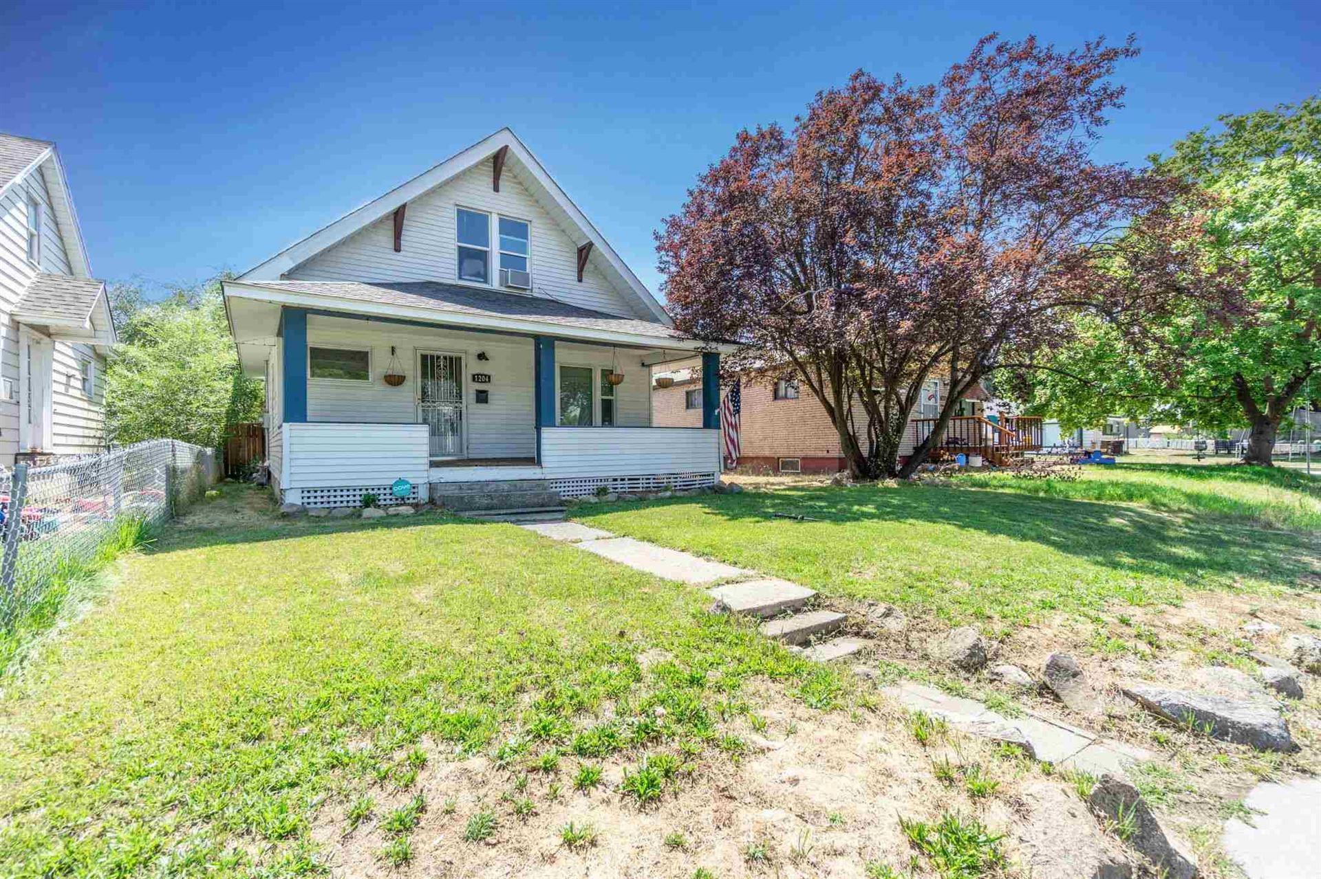 Photo of 1204 E North Ave, Spokane, WA 99207-3420 (MLS # 202119489)