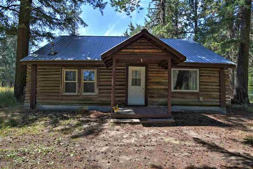 Photo of 1111 Old State Rd, Elk, WA 99009 (MLS # 202020494)