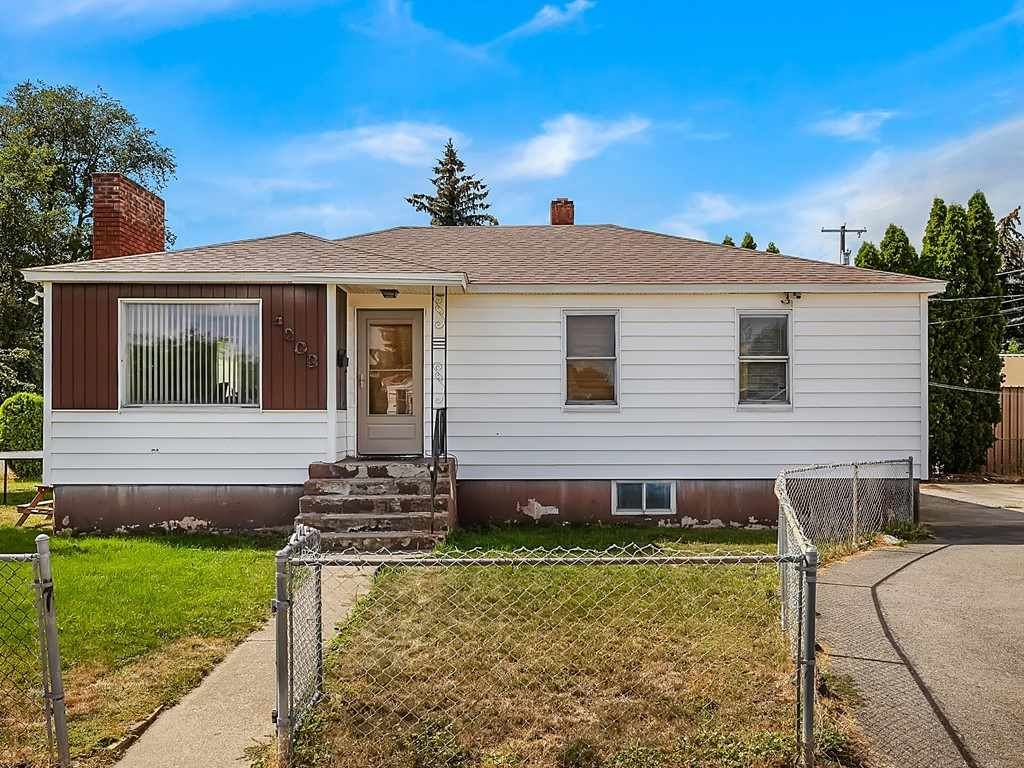 4203 N Lidgerwood St, Spokane, WA 99207-1615 - #: 202020747