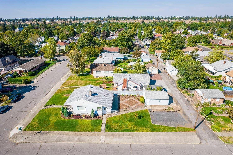 2504 N Wall St, Spokane, WA 99205 - #: 202121930