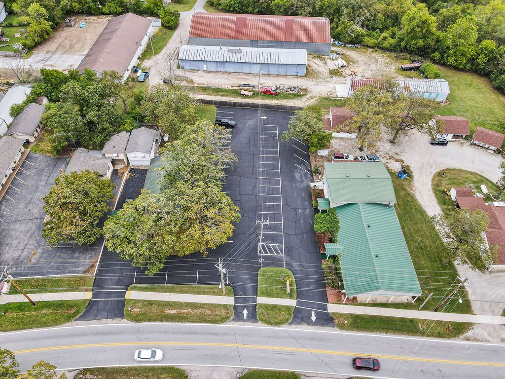 Photo of 15945 Us-160, Forsyth, MO 65653 (MLS # 60203295)