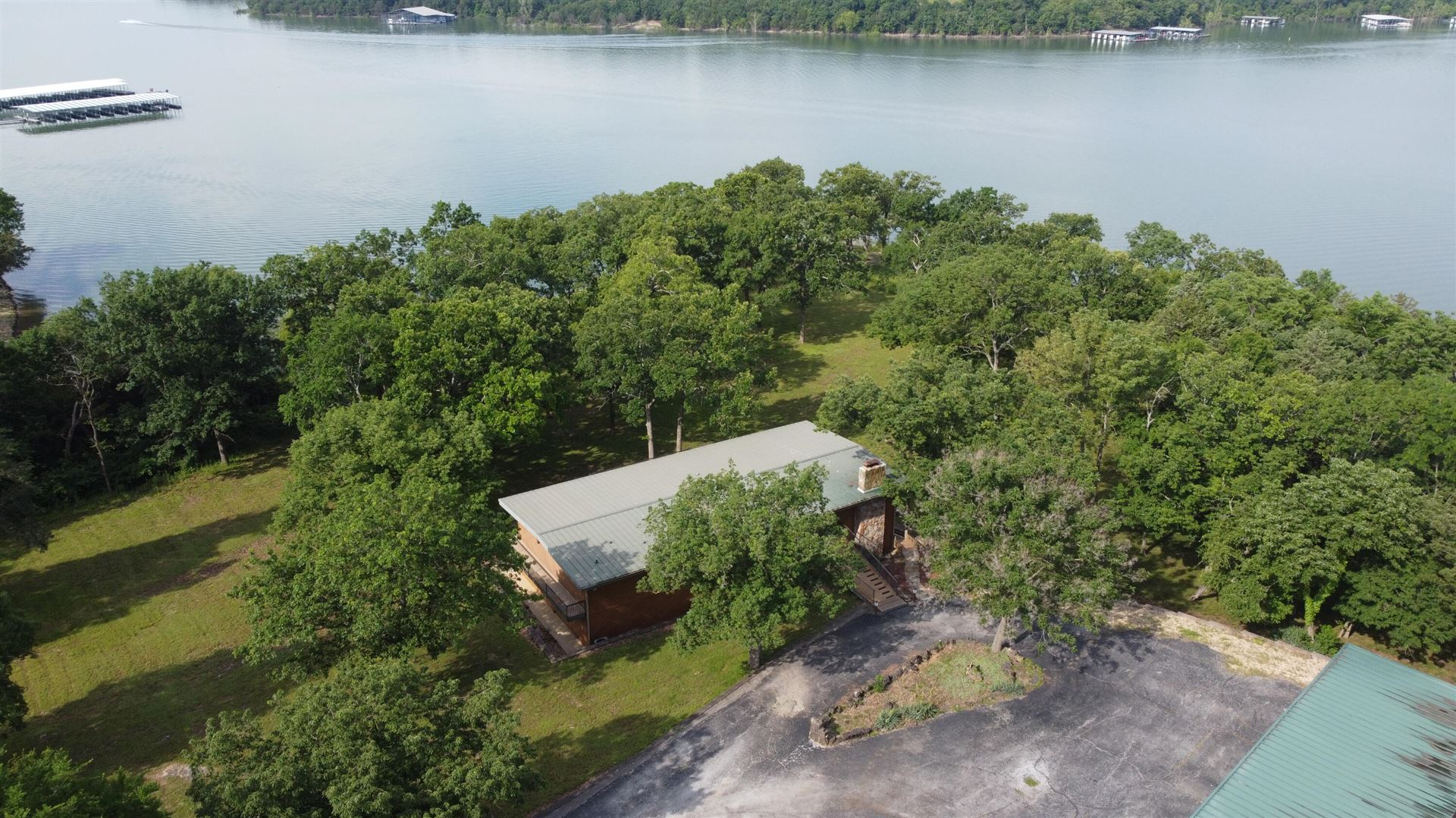 Photo of 75 Port Holiday Court, Kimberling City, MO 65686 (MLS # 60192322)