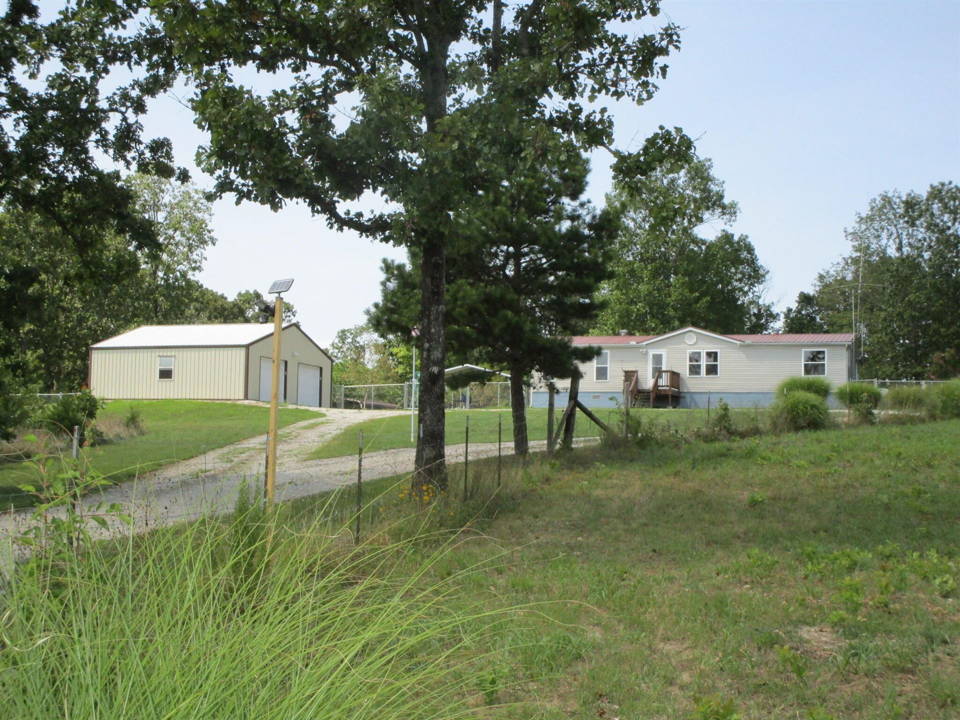 Photo of 9821 State Route Tt, Mountain View, MO 65548 (MLS # 60197635)