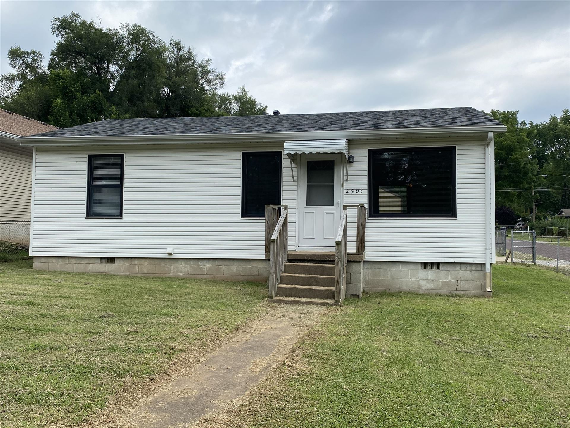 Photo of 2903 West Lombard Street, Springfield, MO 65802 (MLS # 60197636)